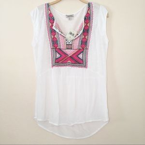 NEW LUCKY BRAND EMBROIDERED SPLIT NECK TOP SMALL